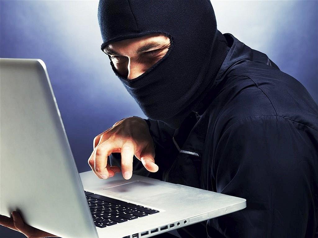Как фирме обеспечить надёжную защиту компьютерной информации?